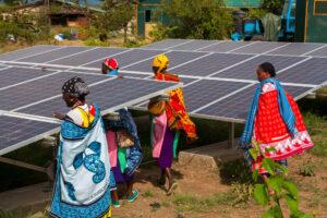 EU-klimaatactivisme drijft Afrika in armen van China Afrika heeft niet zozeer behoefte aan hernieuwbare, als wel aan goedkope energie.