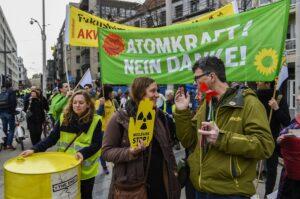 Energie : de zelfgemaakte crisis kernenergie brandstof politiek geen eenvoudige recepten voor de enorme transitie die we moeten doorlopen