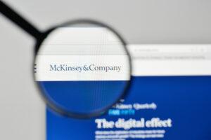 CLINTEL stelt McKinsey's klimaatalarmisme aan de kaak McKinsey and Company is voorheen in verband gebracht met een aantal schandalen