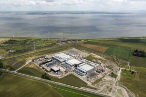 Meer hernieuwbare datacenters, met dank aan groene stroom? meer en meer opstand tegen de wildgroei in nog meer datacenters in de polders