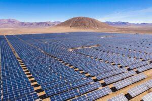 Bizar plan om Australische woestijn vol te zetten met duizenden windturbines & zonnepanelen waterstof energie ammoniak energieoplichterij.