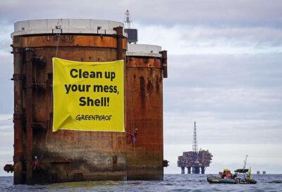 Medeoprichter van Greenpeace Moeten we niet blij zijn met CO2 kooldioxide uit  verbranding fossiele brandstoffen is de grondstof van het leven