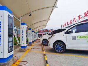 Nu China de helft van 's werelds elektrische voertuigen produceert, kunnen afgedankte accu's voor 'explosieve vervuiling' zorgen