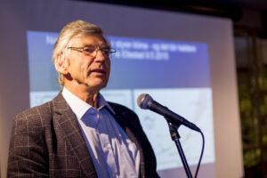 Klimaat en klimaatonderzoek Klimarealistene Er is geen klimaatcrisis Richard Tol,  milieu- en klimaatstrategieën, rechtvaardigen.